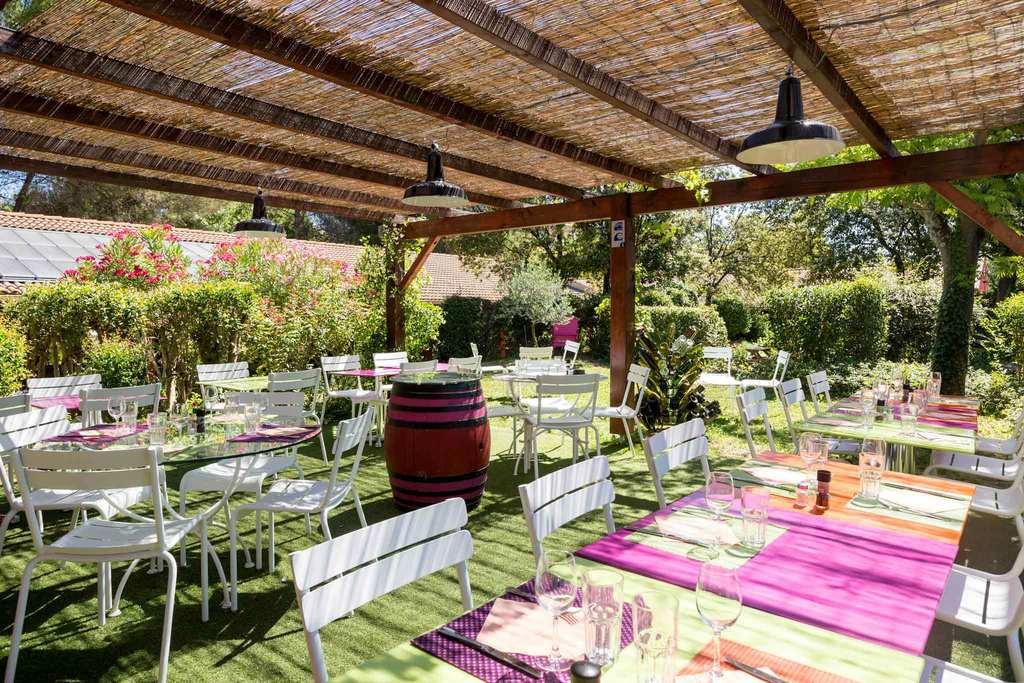 hotel ibis styles aix en provence mas des oliviers. Black Bedroom Furniture Sets. Home Design Ideas