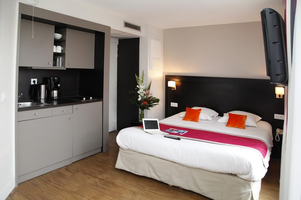 appart hotel odalys les floridianes aix en provence. Black Bedroom Furniture Sets. Home Design Ideas